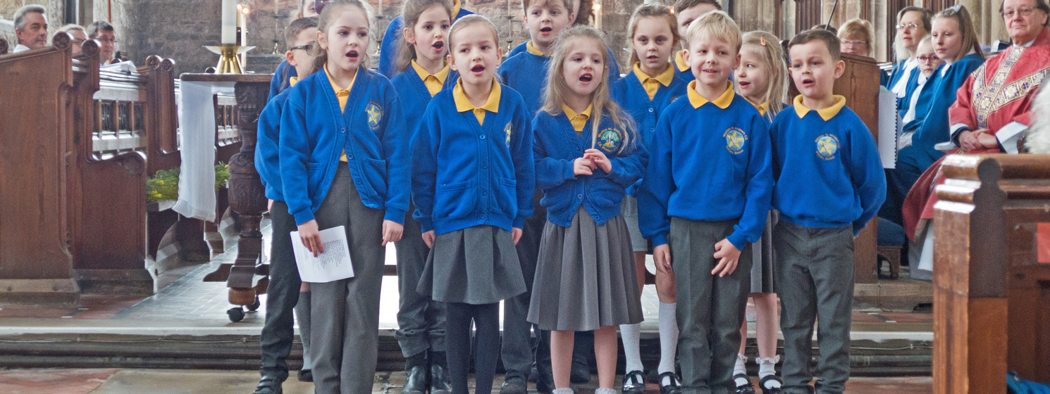 Wootton School Choir shares in Mothering Sunday service